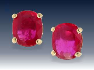 Earrings: decorative jewelry stud earrings with large rubies, 18K Gold