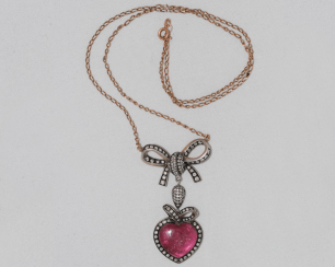 Pendant with chain with tourmaline and diamonds