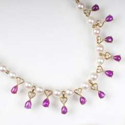 Beads Gold necklace with ruby trim