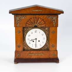 Biedermeier table clock with reconstructed Lenz