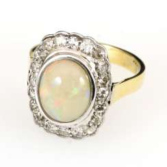 Ring with opal and diamonds