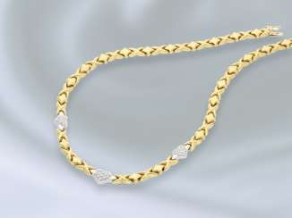 Chain/necklace: Golden, fancy gold necklace with diamond trim, approx 0.4 ct blacksmith