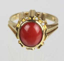Coral Ring Yellow Gold 585