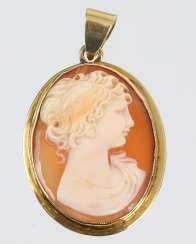 Shell Cameo Pendants - Yellow Gold 585