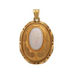 Ornate pendant with white Opal