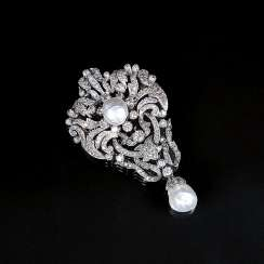 Fine Art Nouveau diamond brooch with baroque pearls