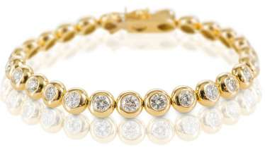 Bracelet with diamonds,