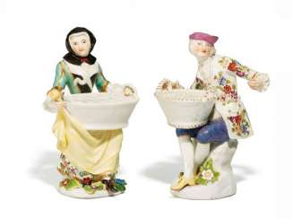 GARDENER AND GARDENER WITH plug-in receptacles. Meissen. At the end of 18. Century. Model by J. J. Kaendler, C. 1743.