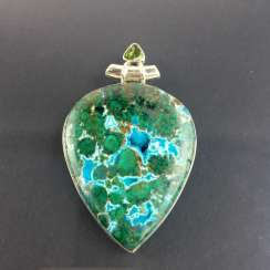 Opulent hand work pendant with malachite in chrysocolla and Peridot, 925 silver, very decorative.