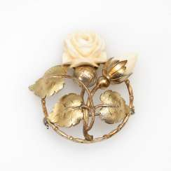 Brooch with ivory rose.