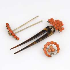 2 hair combs and 1 brooch with coral to 1900