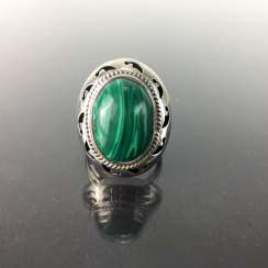Opulent ladies ring with malachite, Sterling silver 925, very good conservation.