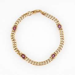 Classic bracelet with rubies.