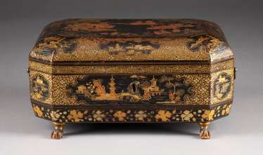 CASE WITH LANDSCAPE DECOR China / Japan