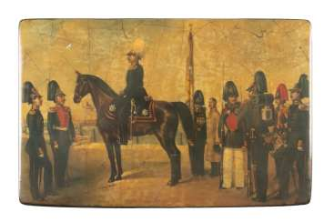 LACQUER BOX WITH MILITARY SCENE