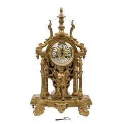 MANTEL CLOCK IN THE LOUIS XVI STYLE