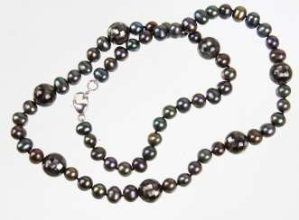 Cultured pearl necklace with mosaic balls
