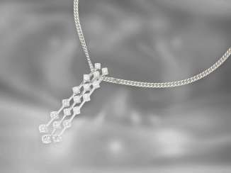Chain / necklace / pendant: interesting vintage necklace with diamond pendant, total approx. 1.21ct, 18K white gold