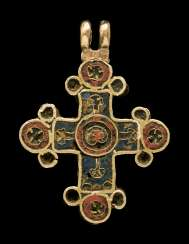 A BYZANTINE GOLD AND ENAMEL CROSS