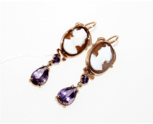 Earrings cameo with amethysts