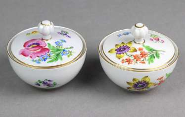 2 lidded boxes hand painting Dresden
