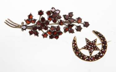 2 garnet brooches from around 1900