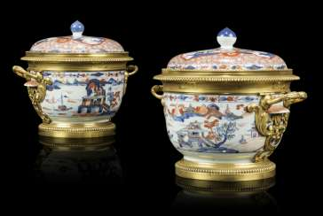 A PAIR OF FRENCH ORMOLU-MOUNTED IMARI PORCELAIN VASES AND COVERS