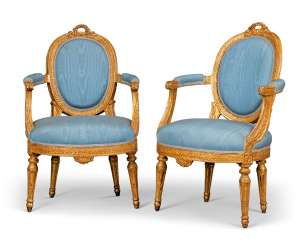 A PAIR OF NOTH ITALIAN GILTWOOD FAUTEUILS