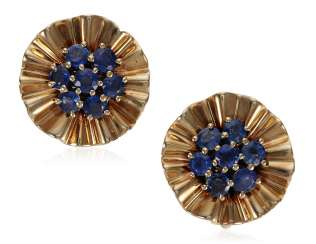 TRABERT & HOEFFER-MAUBOUSSIN SAPPHIRE AND GOLD EARRINGS WITH GIA REPORT