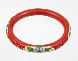 Lacquer red bangle bracelet with enamel