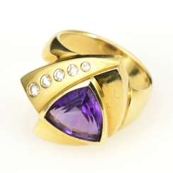 Heavy ring with amethyst and diamonds