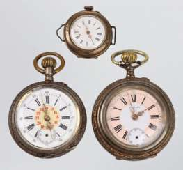 3 pocket watches around 1900