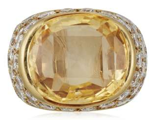 VAN CLEEF & ARPELS YELLOW SAPPHIRE AND DIAMOND RING