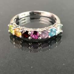 Timeless ladies ring: Topaz in Swiss blue, Topaz White, rhodolite, Amethyst, citrine, Peridot, and ruby. Silver 925 rhod