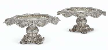 A PAIR OF AMERICAN SILVER AND PARCEL-GILT TAZZA