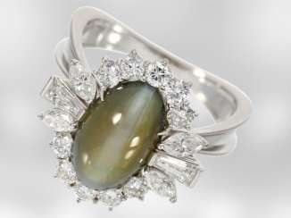 Ring: unique and extremely precious diamond ring with chrysoberyl cat's eye, for a total of approx. 7,12 ct, 18K white gold