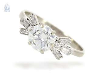 Ring: fancy and high quality vintage diamond/diamond-and-gold wrought ring with a large diamond of approximately 1.5 ct