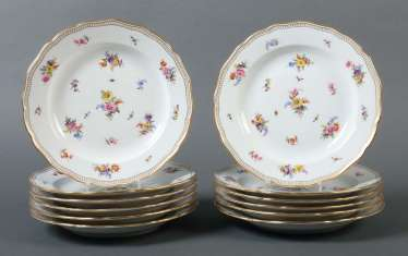 12 dinner plates with flowers and insects painting Meissen