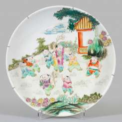 Large Famille-rose plate