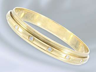 Bracelet: high-quality, extremely solid and heavy Designer bangle bracelet from Piaget, diamonds approximately 1.35 ct