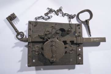 Large lock with key