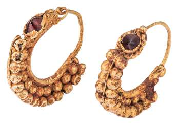 Pair of Hoop earrings with ball decoration and grenades