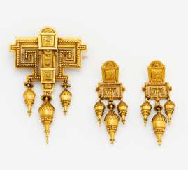 Gold set: brooch and earrings
