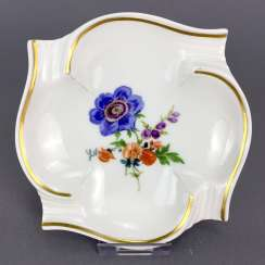 Ash tray / ashtray: Meissen porcelain, decorative flower 3, gold rim, four bowls, 1. Choice, very well.