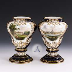 Pair of vases with cobalt fond