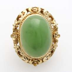 Ladies ring W. large, green Jadecabochon