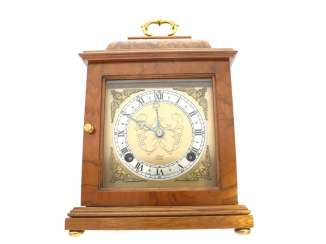 Table clock: decorative and high-quality English Stiluhr with percussion, Elliott London, 20.Century.