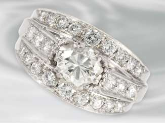 Ring: high-class vintage diamond ring, approximately 2ct, 18K white gold