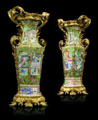 A PAIR OF NAPOLEON III ORMOLU-MOUNTED CHINESE FAMILLE ROSE VASES