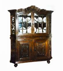 Bergischer display cabinet
